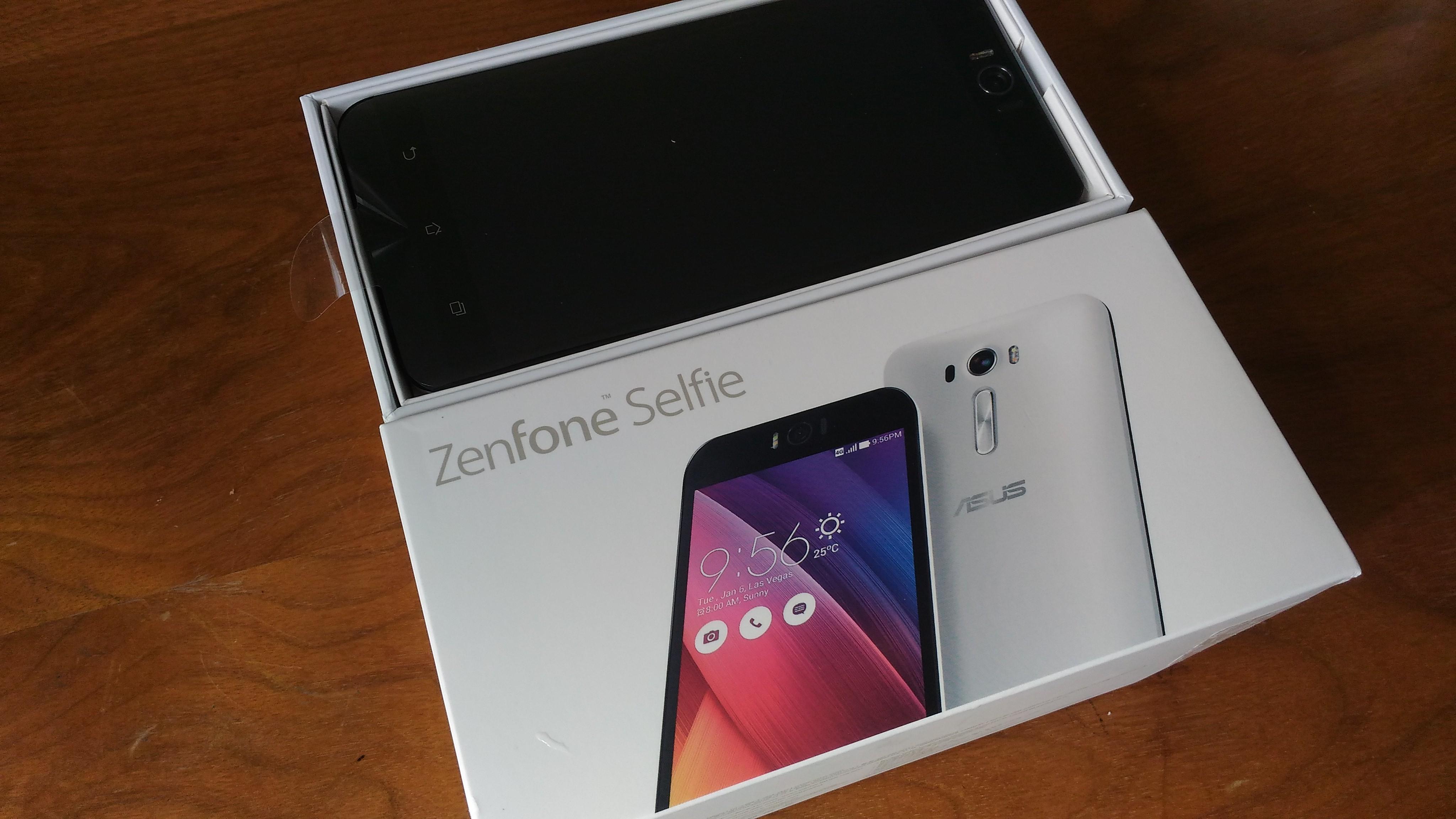 ZenFone Selfie(ZD551KL)の開封の儀