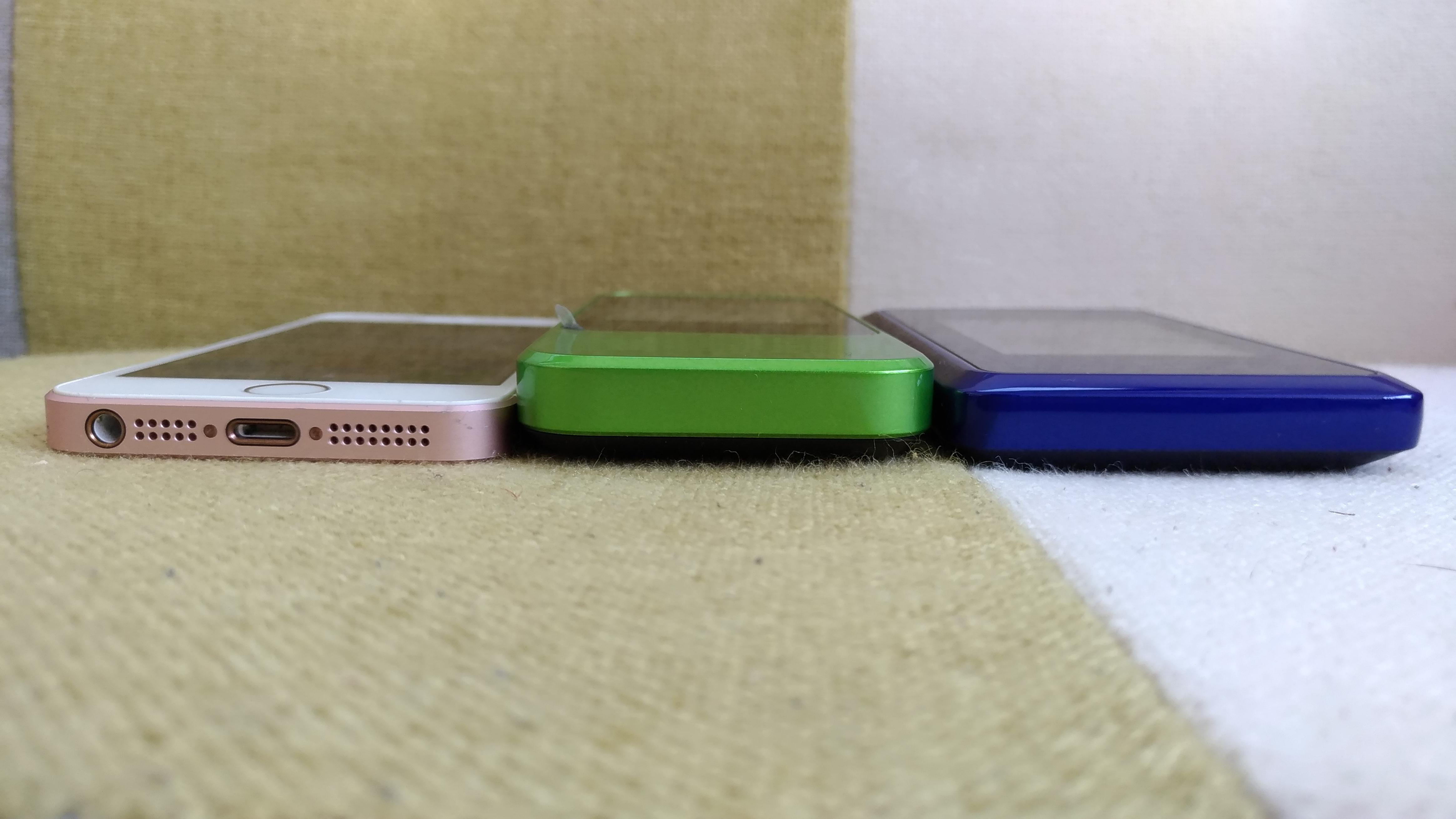 iPhoneSE、W04、WX03