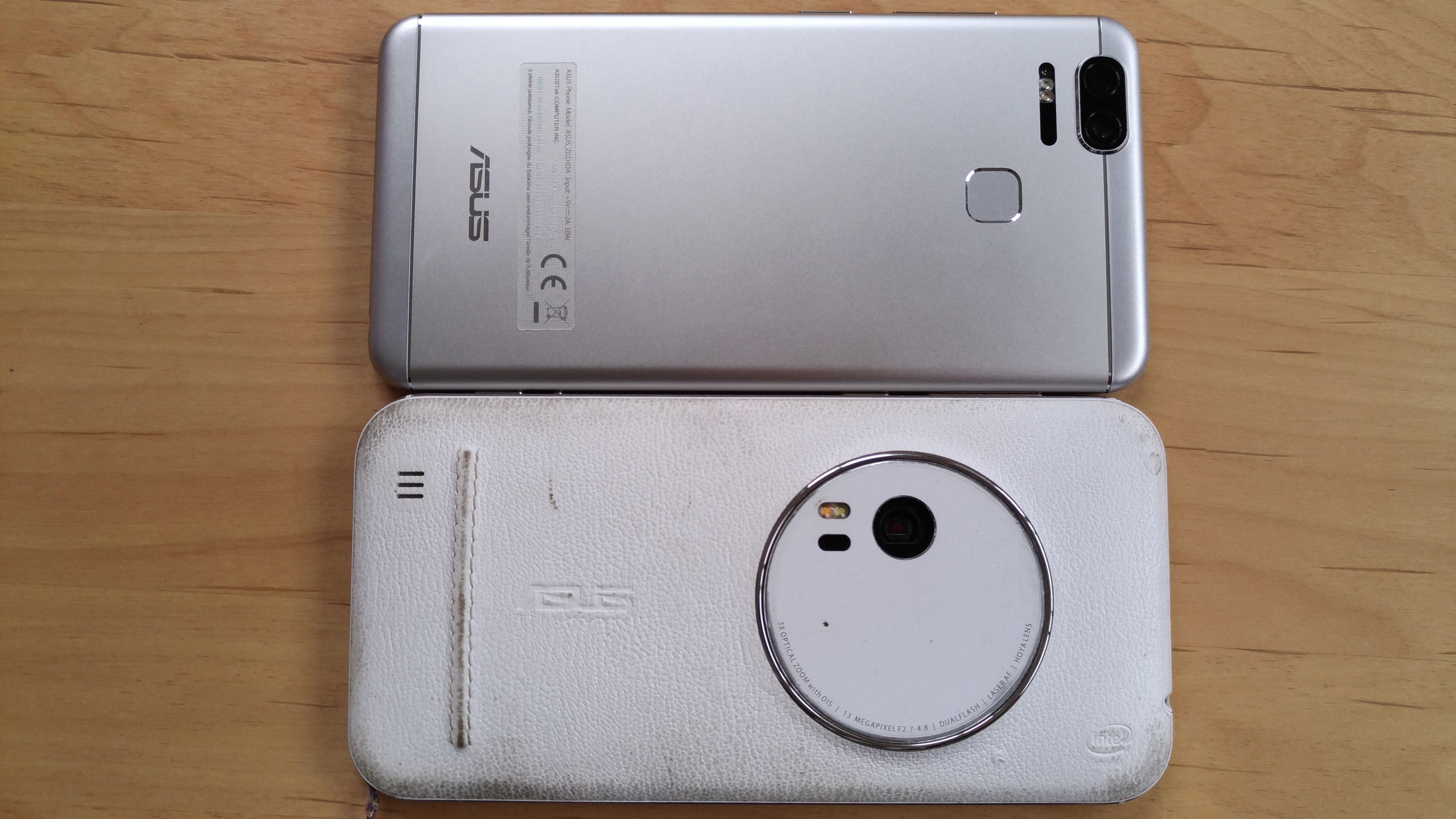 ZenFone Zoomのコンデジみたいな外観