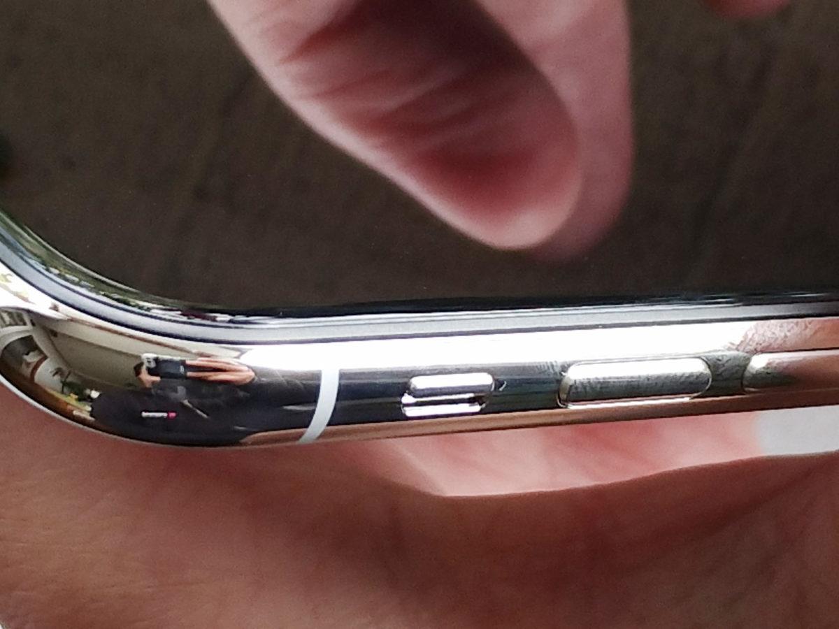 iPhoneXの左側面