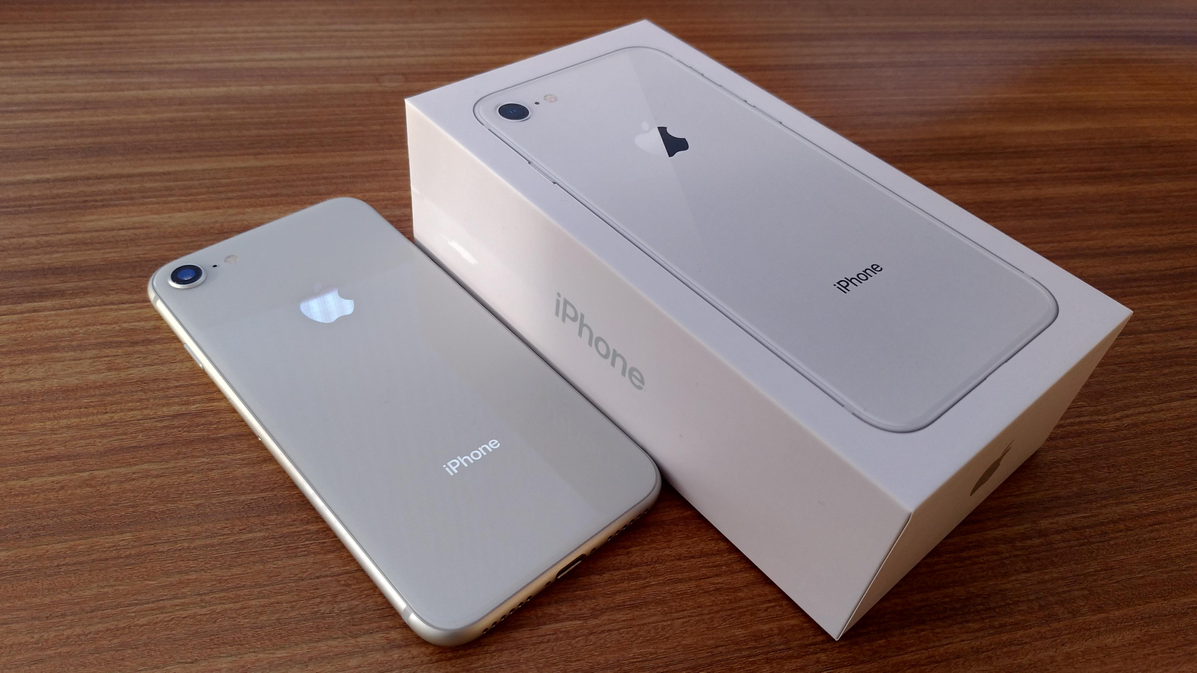 iPhone8の化粧箱