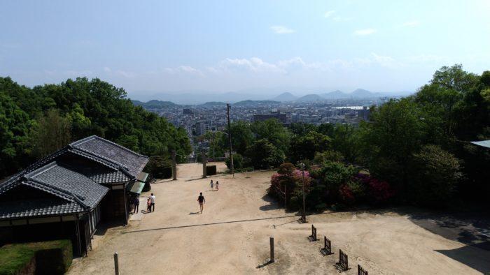 屋島神社本殿前からの景色