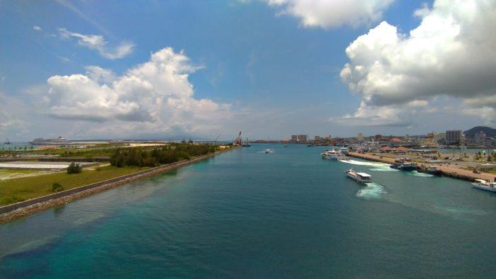 離島ターミナルでサニーゴの影