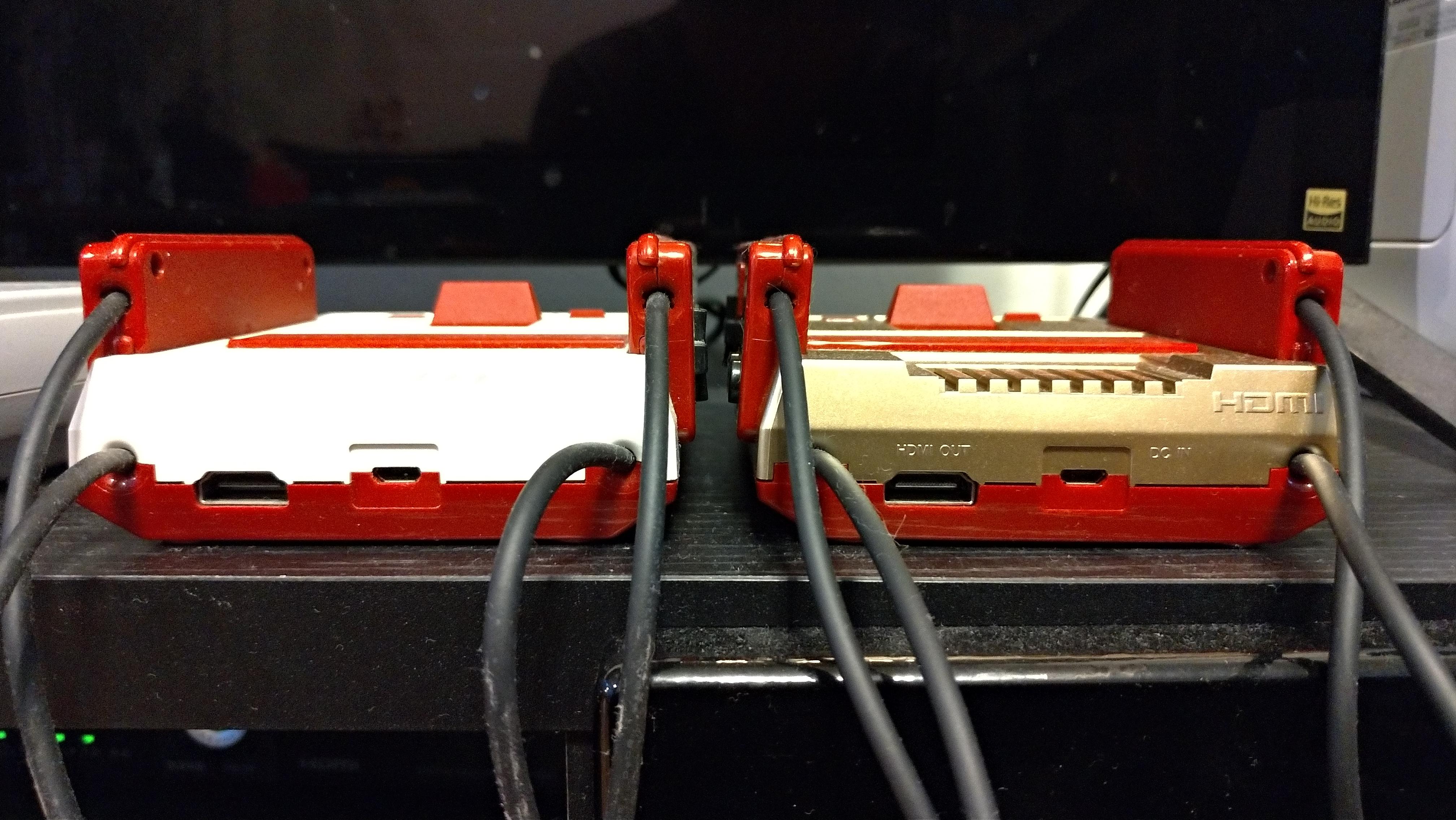 HDMI端子とmicro USB端子