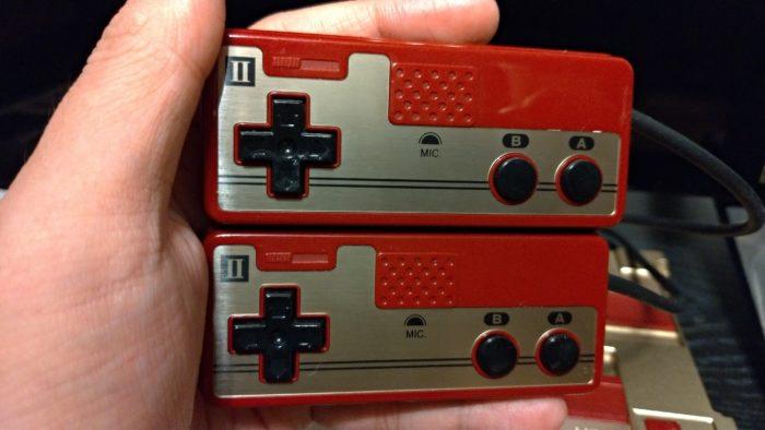 2コンのボリュームボタンとマイク