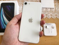 「今は指紋認証優先!」iPhoneSE(第2世代)を買ったので、実機レビューします!