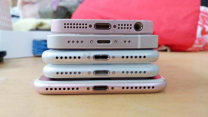 2番目がiPhone12ミニ