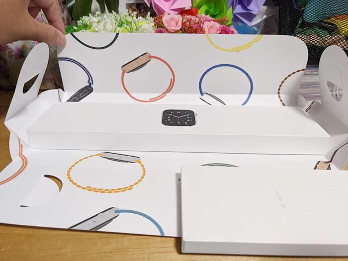 アップルウォッチの化粧箱